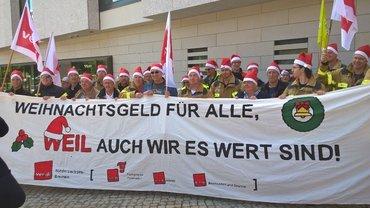 Gewerkschaften fordern: Weihnachtsgeld für alle